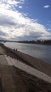 Duna felhők pár